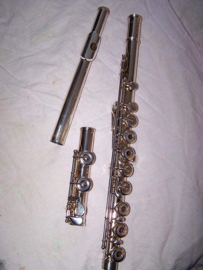 Après restauration d'une flûte traversière